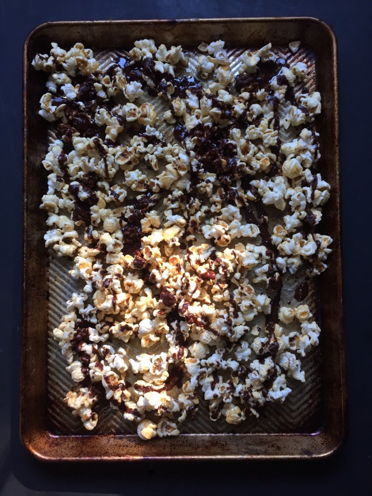 Vegan Caramel Chocolate Popcorn